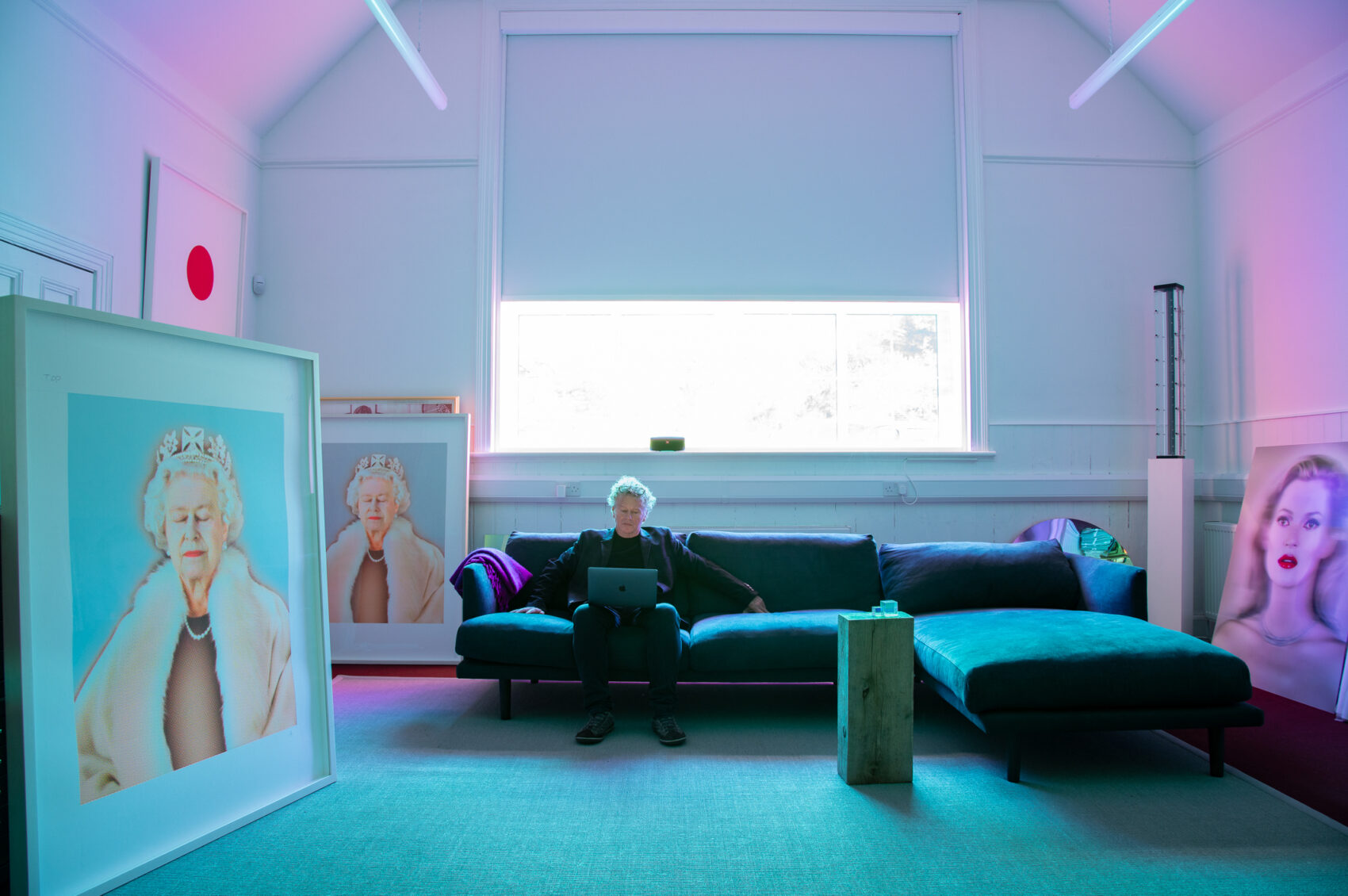 The Queen and Kate Moss by Chris Levine framed by Pauli Frames